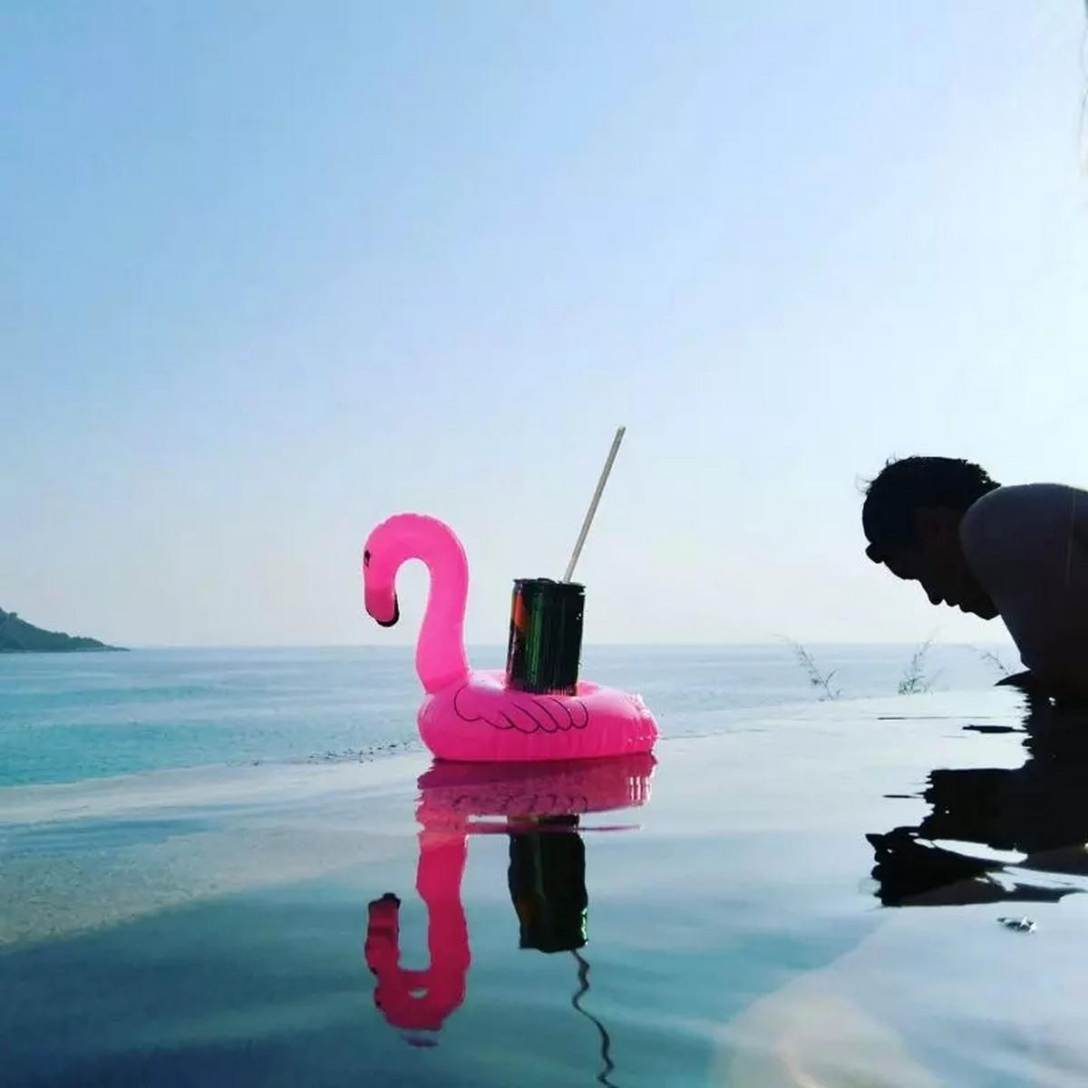 Flamingo Deniz Yatağı Şişme Bardak Tutucu